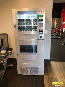 Seaga Snack & Soda Combo w/ CC Reader for Sale in Georgia!