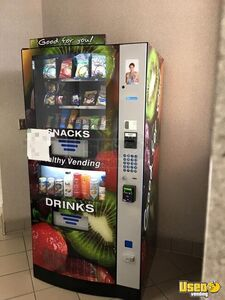 2016 Seaga HY900 Healthy You Combo Snack & Drink Vending Machines for Sale in Kansas!