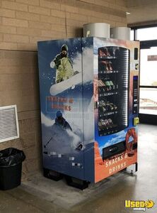 Seaga INF5C Glassfront Snack & Soda Combo Vending Machines w/ CC Readers for Sale in Utah!