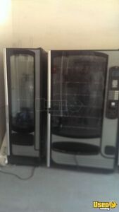 Sm - 5700 And Ff-2000 Other Snack Vending Machine 3 Georgia for Sale