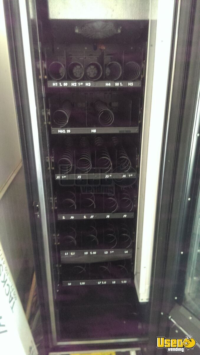 Sm - 5700 And Ff-2000 Other Snack Vending Machine 5 Georgia for Sale - 5