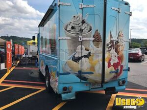Step Van Ice Cream Truck Ice Cream Truck 18 Missouri Gas Engine for Sale