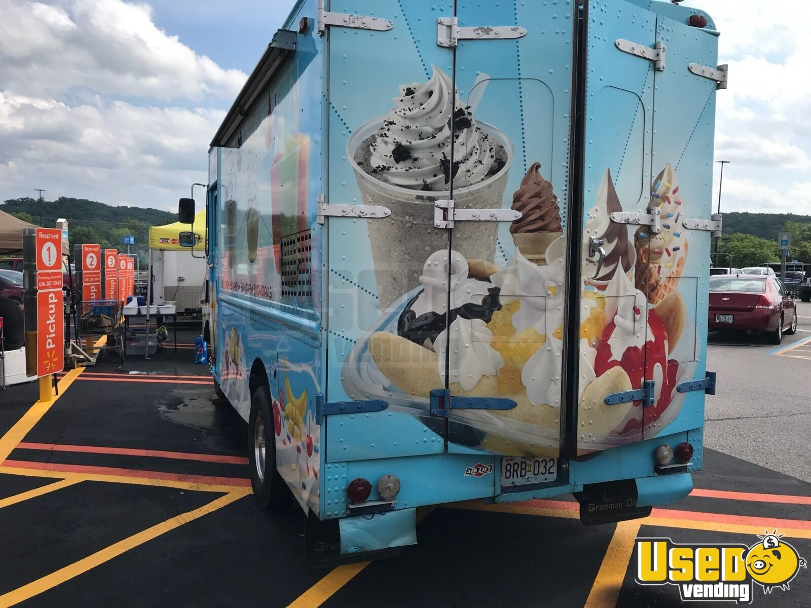 Step Van Ice Cream Truck Ice Cream Truck 18 Missouri Gas Engine for Sale - 18