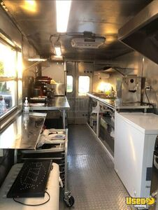 Step Van Kitchen Food Truck All-purpose Food Truck Stainless Steel Wall Covers Florida for Sale