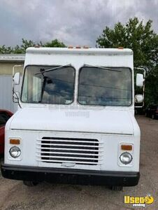 Empty Chevrolet P-30 Step Van/Used Truck for Mobile Business for Sale in Illinois!