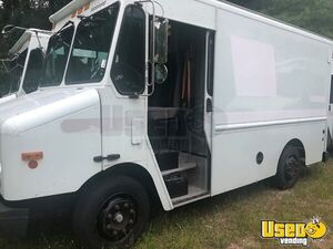 Newly Painted 2004 Diesel Freightliner Used Step Van for Conversion for Sale in Massachusetts!