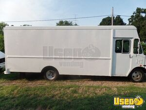 18' Chevy Step Van Truck for Conversion for Sale in Nebraska!!!