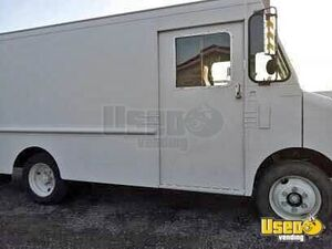 Ready for Conversion Used 1991 Oldsmobile Empty Step Van for Sale in New York!
