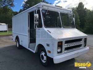 6.8' x 20' Chevy Step Van Truck for Conversion for Sale in North Carolina!!!