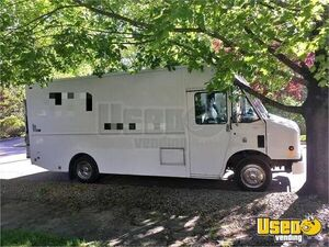 2010 Freightliner MT45 Stepvan for Conversion for Sale in Rhode Island!
