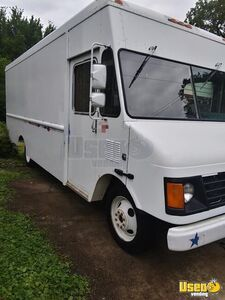 Ready for Conversion 2001 Chevrolet P42 Empty Mobile Business Step Van Truck for Sale in Tennessee!