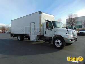 2012 - 26' Diesel International 4300 Box Truck for Mobile Business for Conversion for Sale in Utah!
