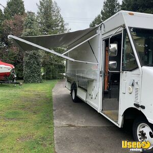 2003 Utilimaster Step Van Truck for Conversion for Sale in Washington!!!