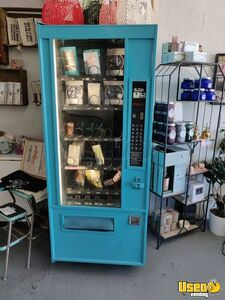 Wittern SnackMart III Glassfront Snack Vending Machine for Sale in California!!!