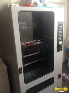 FSI/Selectivend 3141 Snack Vending Machine for Sale in Illinois!!!