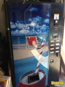 (1) - 2006 USI / FSI 3037 Electronic Soda Vending Machine!!!