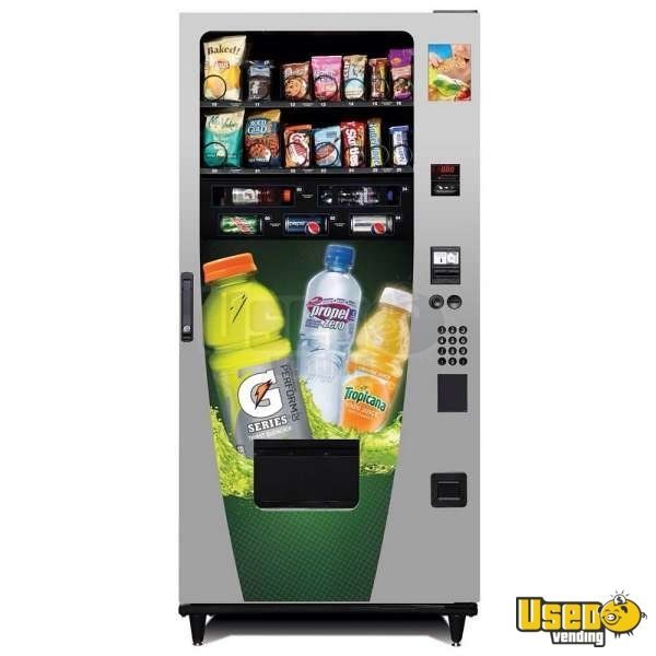 (1) - 2013 Selectivend Advantage Gatorade Snack & Drink Vending Machine!!