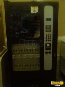 (2) - USI Electronic Snack / Soda Vending Machines BC-12 /HR-40!!!