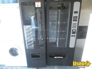 USI Snack & Soda Satellite Combo Vending Machine for Sale in California!