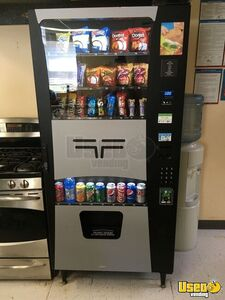 Wittern USI Futura Combo Snack & Soda Vending Machine for Sale in Nebraska!