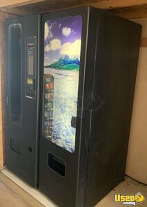 2002 - USI / FSI 3172/3120 Satellite Snack & Soda Vending Machine for Sale in California!!!