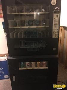 RPD Combo Used Snack & Soda Vending Machine for Sale in Kansas!
