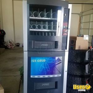 RS 800/850 Used Snack & Soda Combo Vending Machine for Sale in Utah!