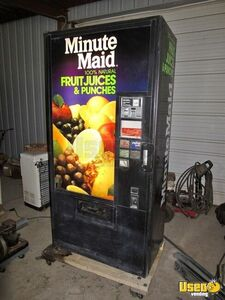 Vendo V266-476 Can / Bottle Refurbished Soda Vending Machine for Sale in Alabama, Super Cold!