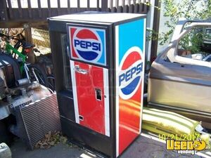 Vendo VF63 Electrical Soda Vending Machine for Sale in Colorado!!!