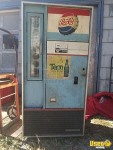 Vintage 1952 Pepsi Vendorlator Soda Vending Machine for Sale in Missouri!