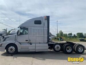 (7 Trucks) 2017 Volvo VNL 64T 670 Sleeper Cab Semi Truck 505hp D13 13-Speed AT for Sale in Michigan!