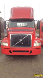 Ultra-Light 2013 Volvo D13 Day Cab Semi Truck 13-Speed AT for Sale in Tennessee!