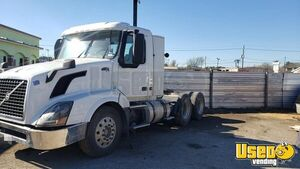 Used 2011 Volvo VNL 64 Day Cab / Ready to Roll Semi Truck for Sale in Texas!