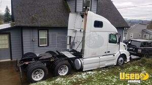 2008 Volvo VNL670 Hi-Rise Sleeper Cab Cummins 15L ISX MT/Used Semi Truck for Sale in Washington!