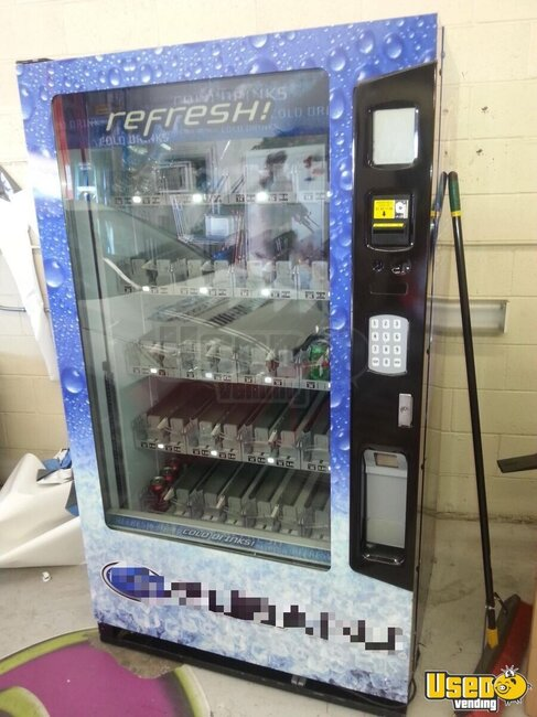 Vue40 Vendo Soda Machine California for Sale