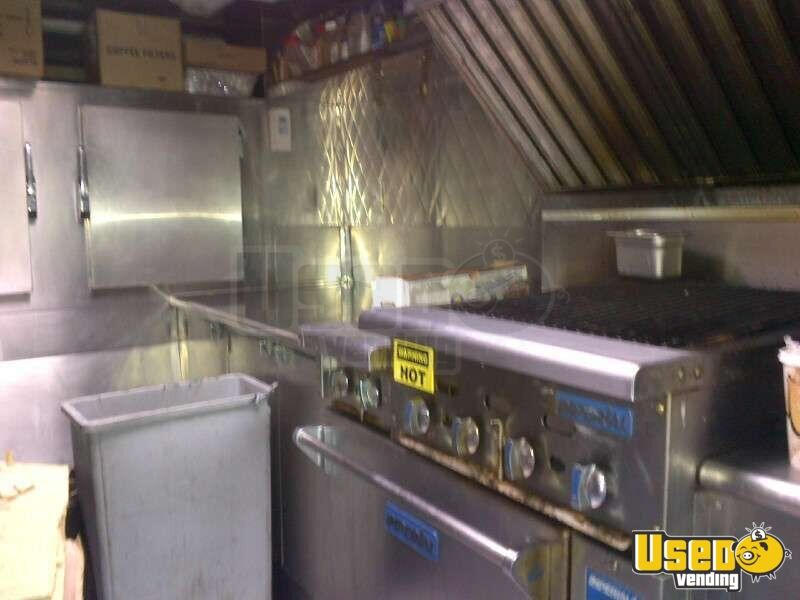 2002 Spartan Catering Food Truck Refrigerator New York for Sale - 10