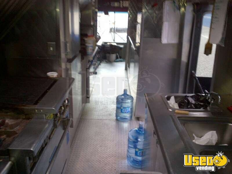 2002 Spartan Catering Food Truck Oven New York for Sale - 12