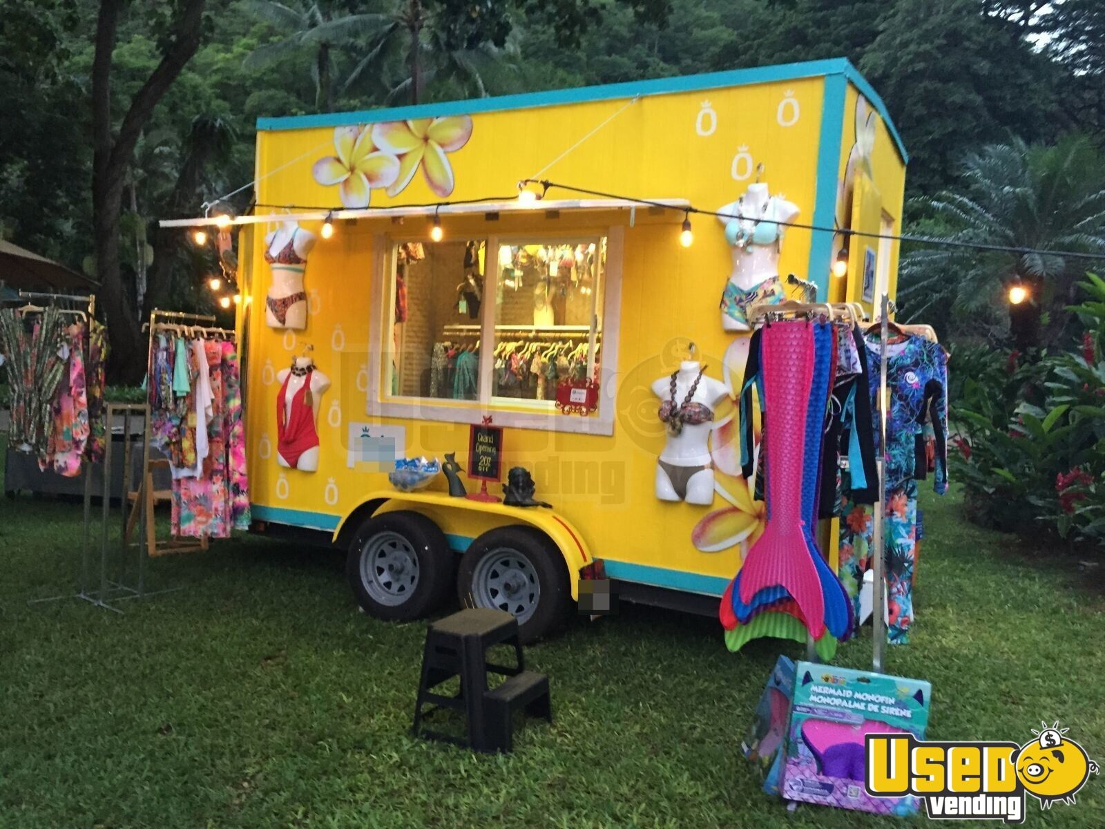 Retail Clothing Mobile Business | Fashion Concession Trailer for Sale in Hawaii