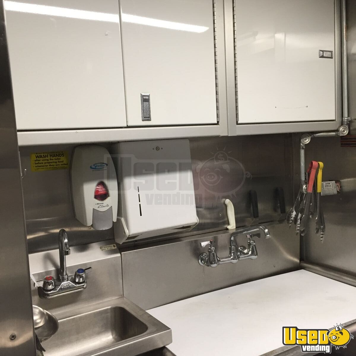 Grumman Olson Mobile Kitchen Food Truck for Sale in New York - 14