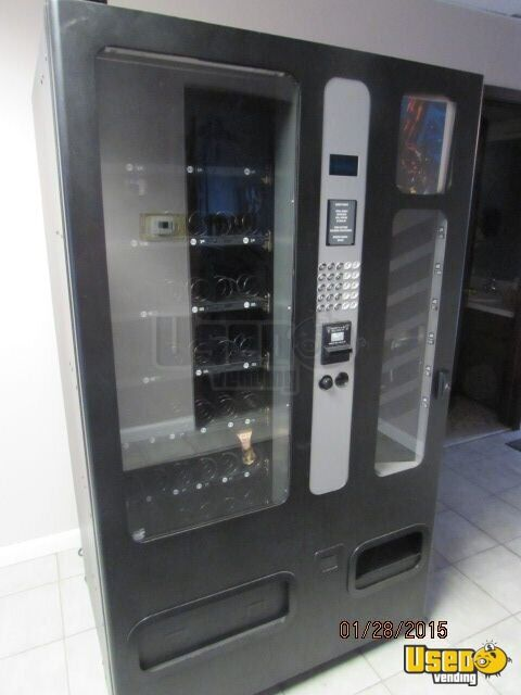 Used Usi 3155b Snack And Soda Vending Machine Combo