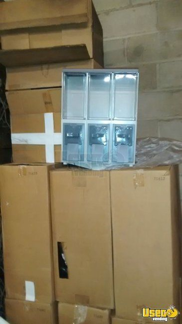 NEW- Vendstar 3000 Triple Head Bulk Candy Vending Machines for Sale in New York - Small 3