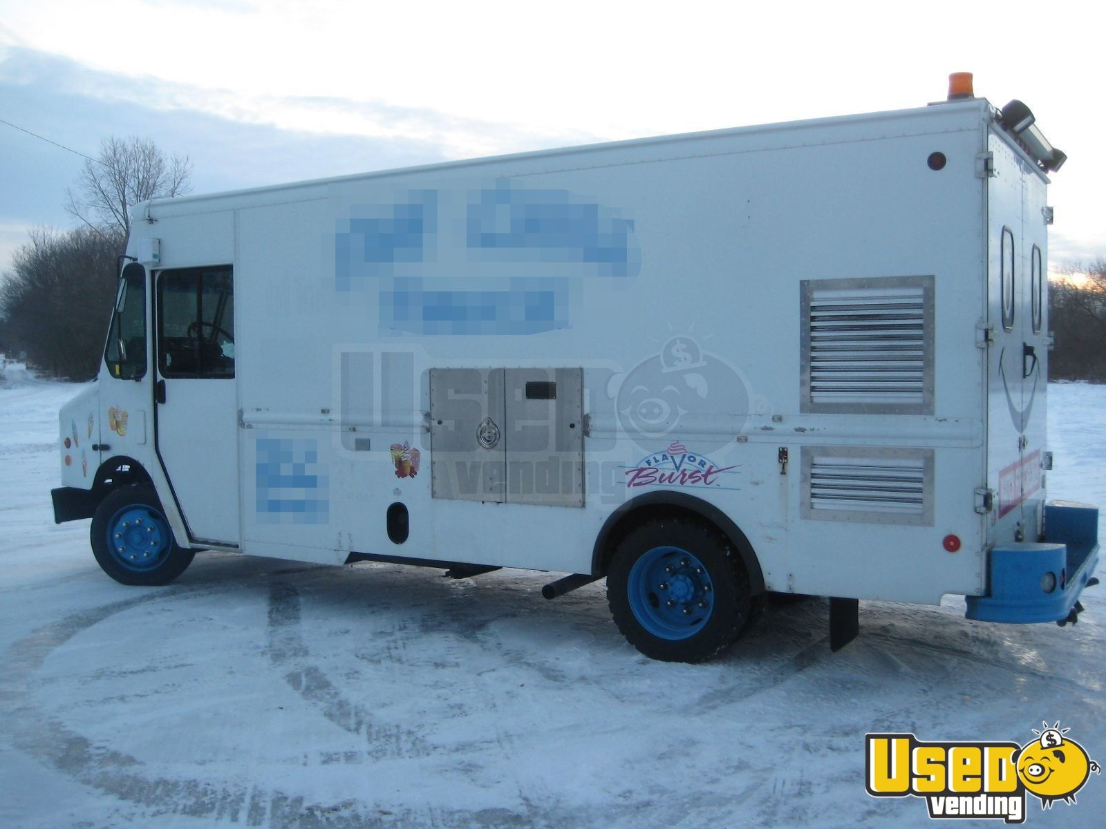 Used Freightliner Ice Cream Truck in Canada for Sale - 3