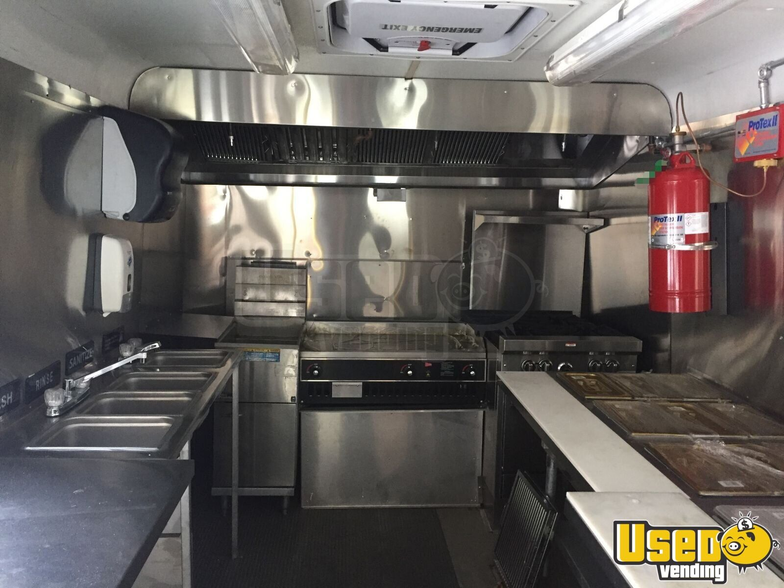 Ford Food Truck with NEW KITCHEN for Sale in Maryland - 4