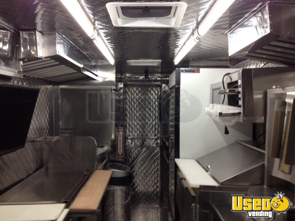 Chevy Mobile Kitchen Food Truck for Sale in New York - 6