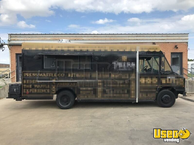 Freightliner Mobile Kitchen Food Truck For Sale In Texas