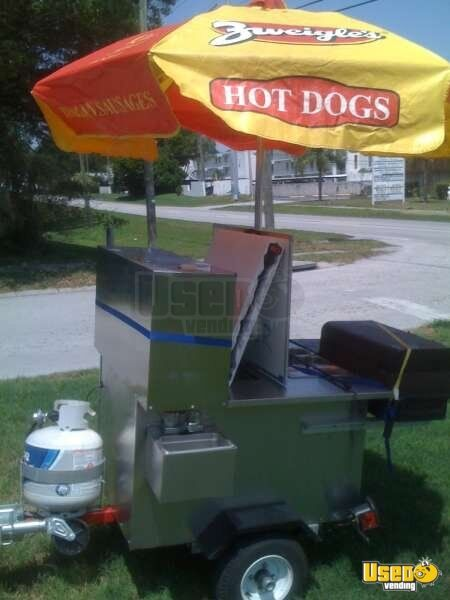 2005 - American Hot Dog Food Vending Cart with Gas Grill!!