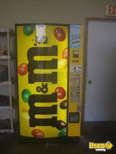 (1) - Vendco M&M Refrigerated Candy Vending Machine!!!