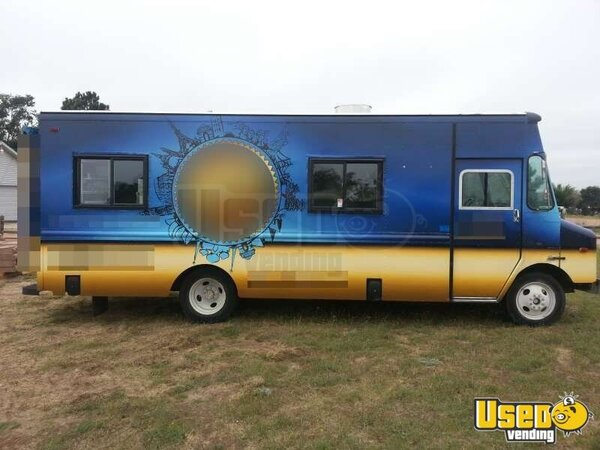 used chevy p30 food truck for sale in colorado mobile kitchen. Black Bedroom Furniture Sets. Home Design Ideas