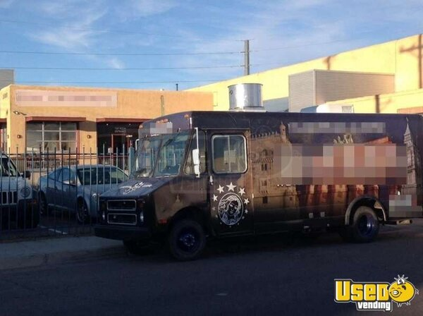 Turnkey Chevy P30 Food Truck for Sale in New Mexico!!!