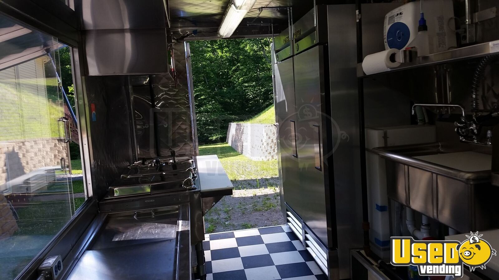 Chevy P-30 / Grumman Mobile Kitchen Food Truck for Sale in New York - 15
